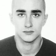 Олег, 25, г.Ирпень