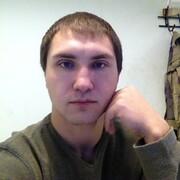 Виктор, 27