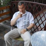 Александр, 38, г.Ленск